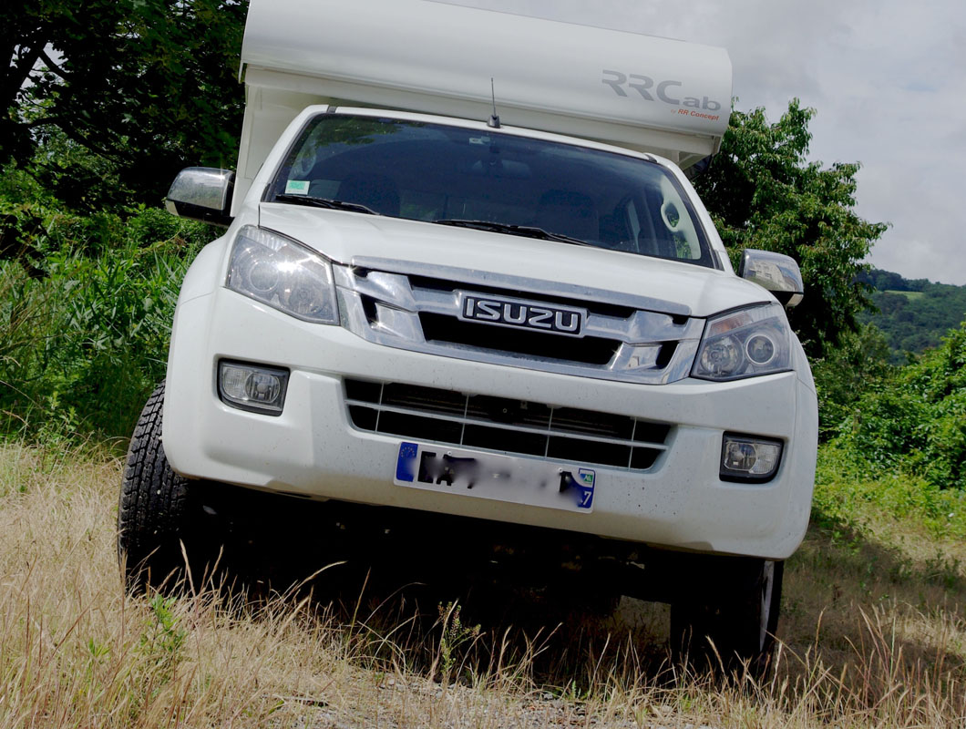 rrcab cellule de camping 4x4 amovible sur pick up isuzu dmax. Black Bedroom Furniture Sets. Home Design Ideas